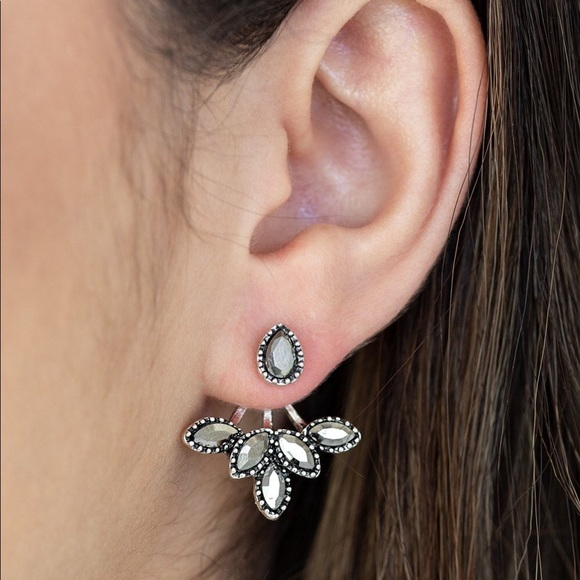 Paparazzi A Force To BEAM Reckoned With Earrings